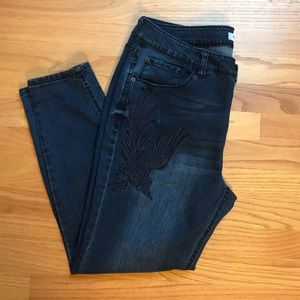 Kensie embroidered jeans